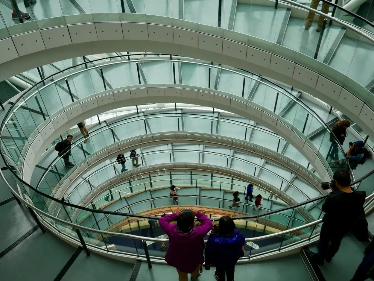 London City Hall spiral staircase looking down