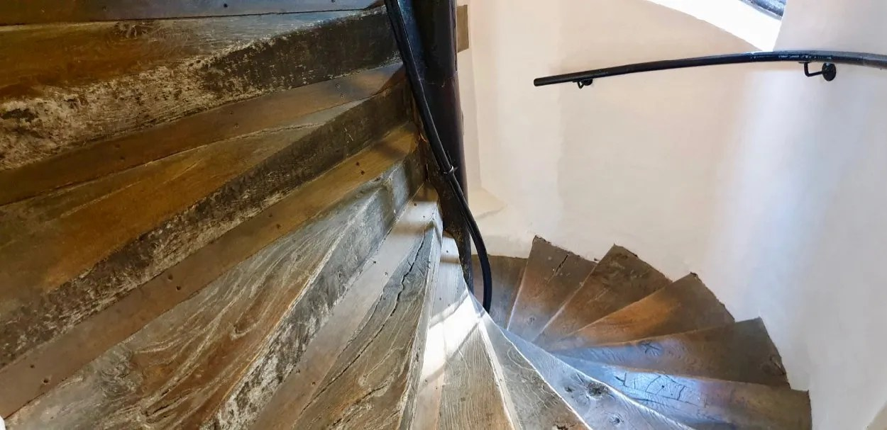 Wooden spiral Tudor staircase