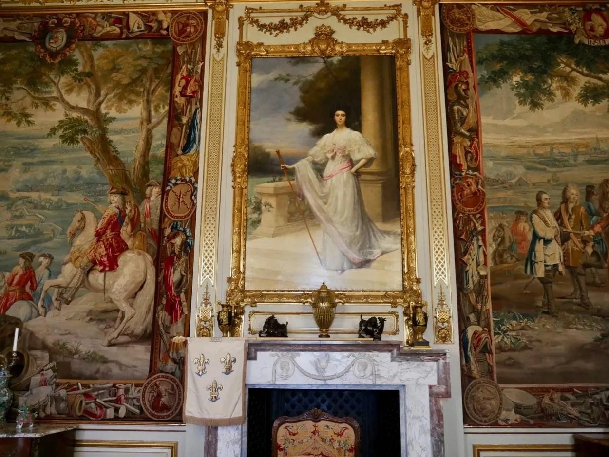 Portrait of Consuelo Vanderbilt flanked by Blenheim tapestries