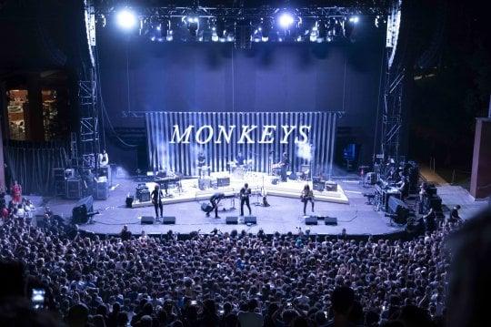 Arctic Monkeys tour