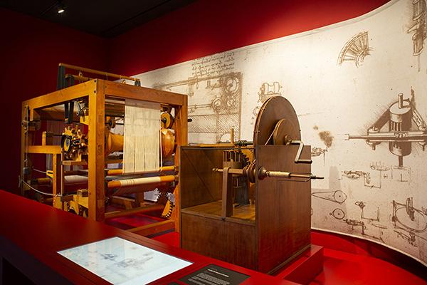 Mostra Leonardo da Vinci Sala 5_Ingegno-del-fare_Nuove Gallerie Leonardo @Lorenza Daverio