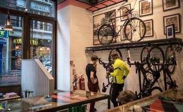 LONDON: Rapha Cycle Club คาเฟ่นักปั่นไฮเอนด์สำหรับคนรักจักรยานและกาแฟ