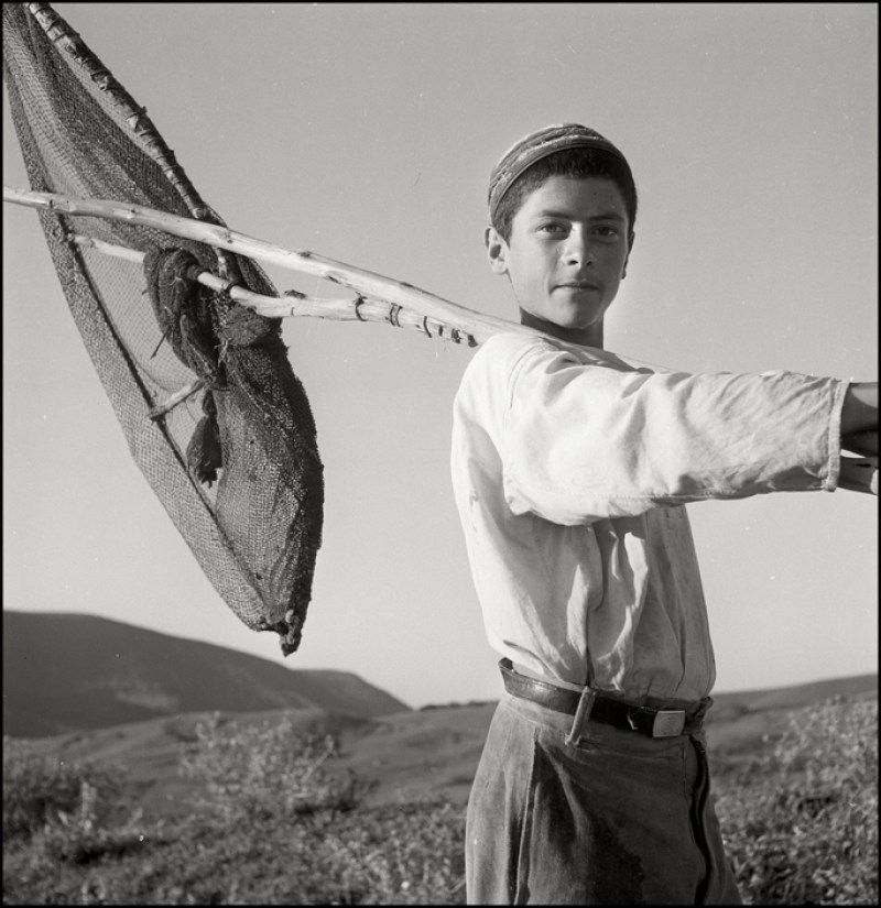 UKRAINE. Crimea. 1943. Tartar Boy fishing. M-UK-DNE-021