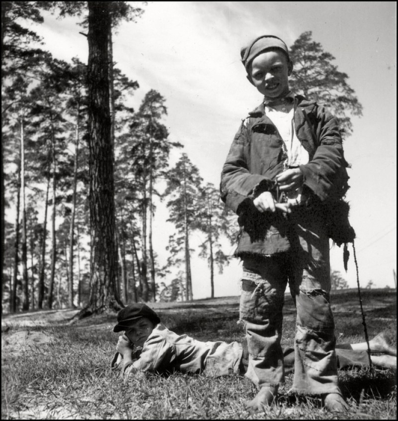UKRAINE. 1943. Farmers Boys. M-UK-DNE-006