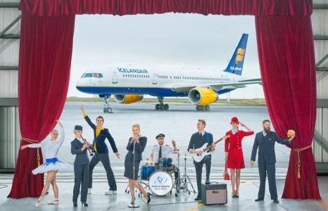 Icelandair เปลี่ยนบัตรโดยสารเป็นตั๋วเทศกาลดนตรี เปลี่ยนห้องโดยสารเป็นโรงละครบนฟ้า