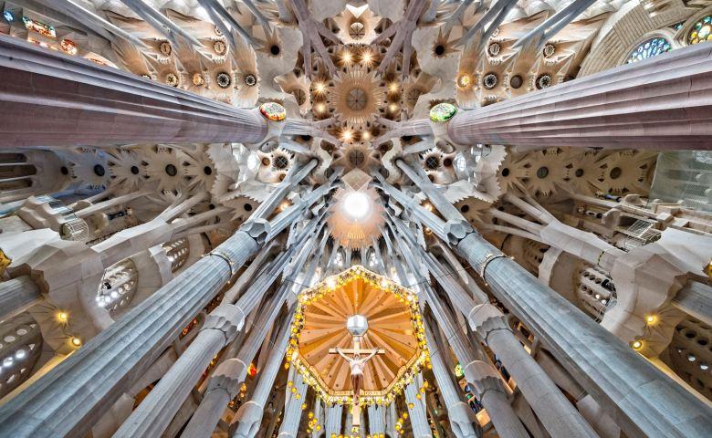 หรูหรา อลังการ บันดาลใจ เที่ยวสถาปัตยกรรมเหนือจินตนาการ