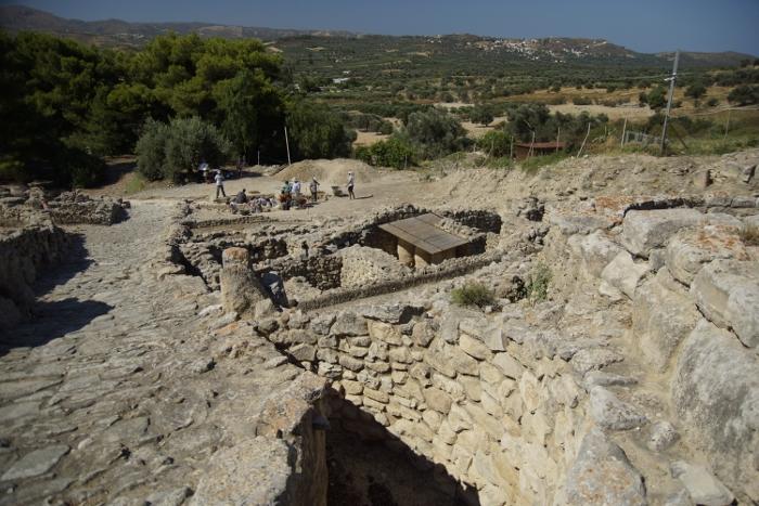 Phaistos 8
