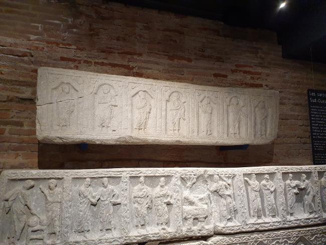 cuve de sarcophage musée archéologie toulouse