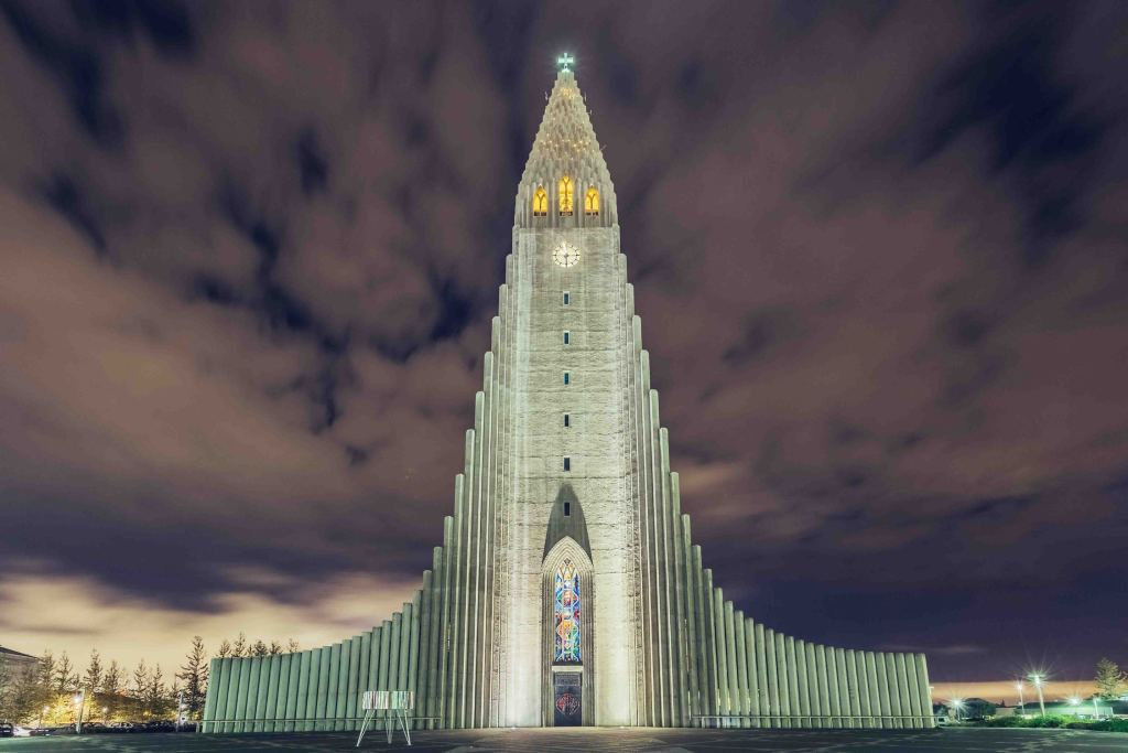 Travel Photography: Day One – London > Reykjavik