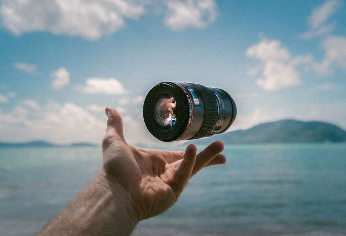 throwing a travel lens