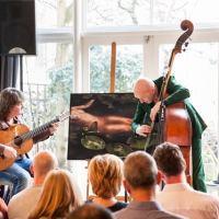 Lenny Oosterwijk van Untitled zet deur open voor @poetry_nl: 'Ik hou van toegankelijk werk, dat een caissière van de Albert Heijn net zo boeit als een professor van de universiteit.'
