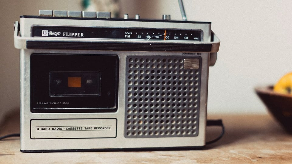 Vintage Flipper Radio from Pixabay