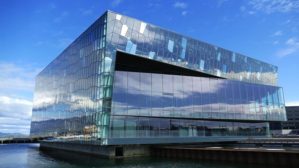 Harpa in Reykjavik (Courtesy of Pixabay)