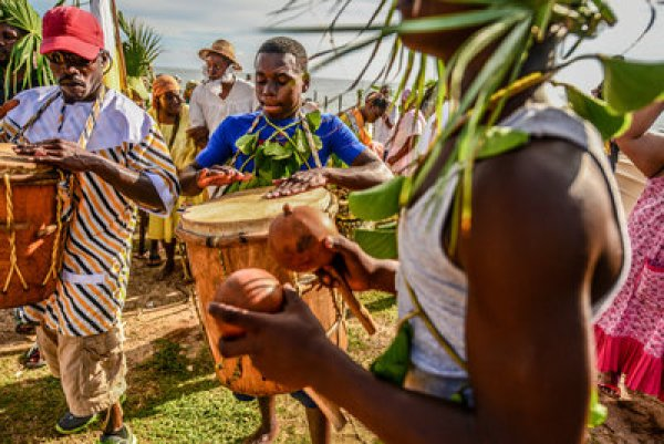 Garifuna settlement day: small country sunday