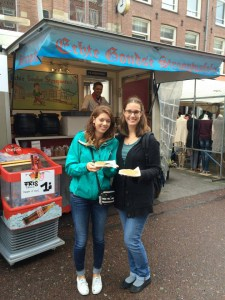 Stroopwafels from the Albert Cuypmarkt with Lane Blackmer (1)
