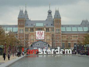 The Rijksmuseum and iamsterdam sign - Photo by Ron Lipowski (1)