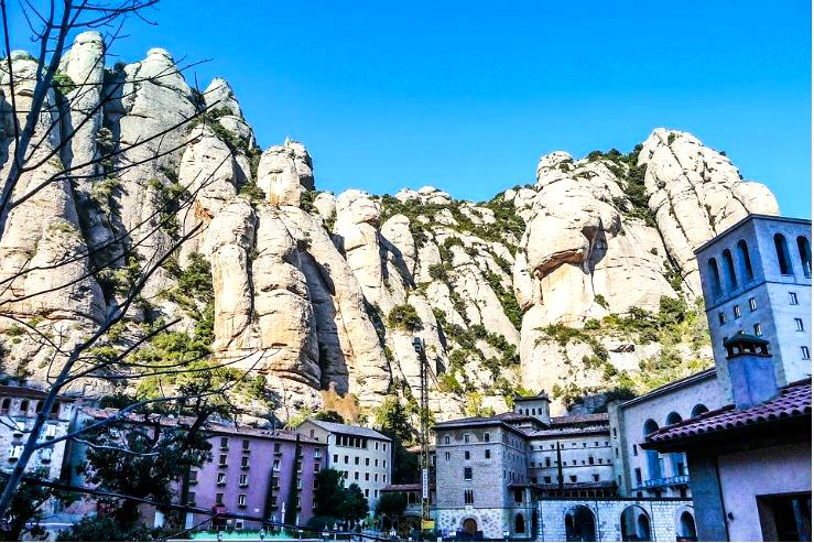 Photo: Monastery at Montserrat by Joaquin Aranea.