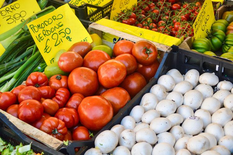 MarketTomatoes750