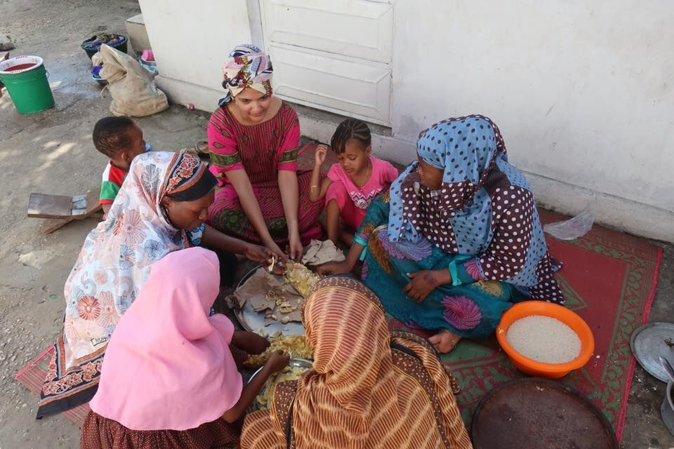 Sucheta Rawal with Swahili women in Zazibar