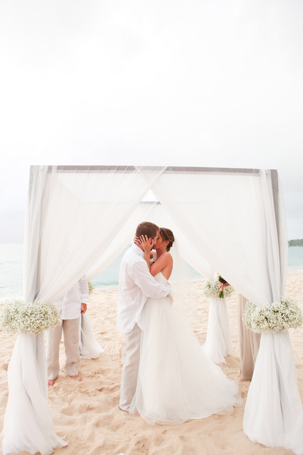 Wedding in a barbados. Having an all inclusive destination wedding. cheap all inclusive destination weddings. best all inclusive wedding resorts. affordable destination wedding packages. Getting married in the island. #destinationwedding
