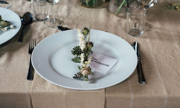 5 Ways to Make your Budget Wedding Ideas Look Beautiful
