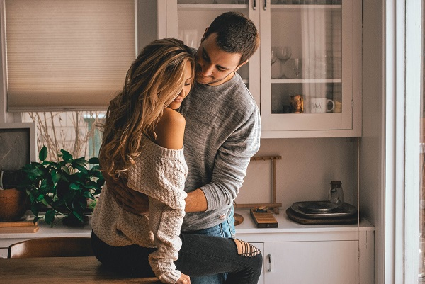 10 Best Romantic Proposal Quotes for Her to Sway any Heart