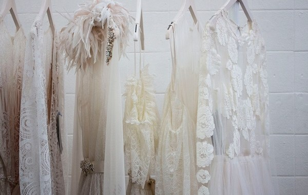 7 Must-Have Pre wedding Dress every Bride to be Must Get