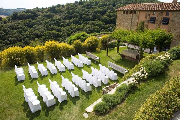 Castello Di Vicarello - fairy tale wedding venue. The best wedding venues in the World. Find the best places to get married in Canada. We have rounded up the best wedding venues in Canada #weddingvenues #weddingsincanada