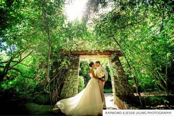 Vandusen Botanical Gardens weddings, Vancouver, British Columbia. The best wedding venues in the World. Find the best places to get married in Canada. We have rounded up the best wedding venues in Canada #weddingvenues #weddingsincanada