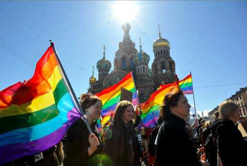 http://www.gaystarnews.com/article/londoners-plan-protest-against-russias-gay-propaganda-laws210813