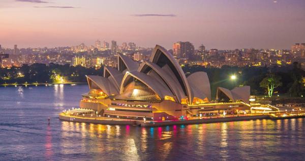 Sydney Opera House (Image by Patty Jansen from Pixabay)