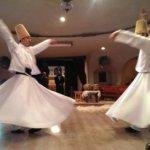 Derwisj; hun dansen in trance is bidden in diepe verbondenheid met Allah