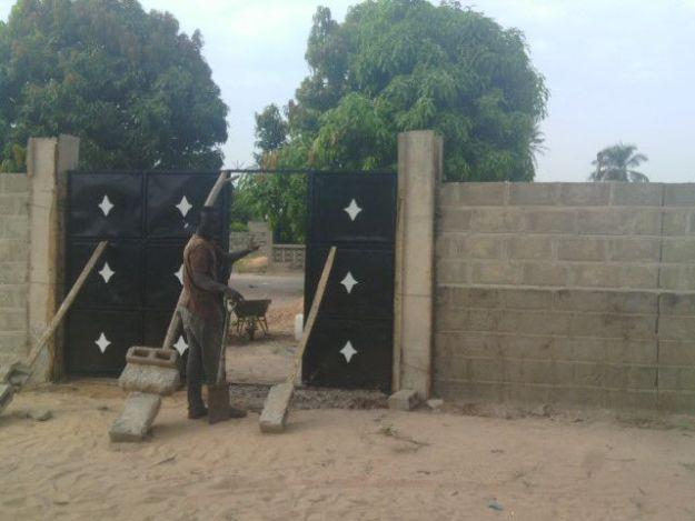Jalambang; en paar dagen is de muur klaar