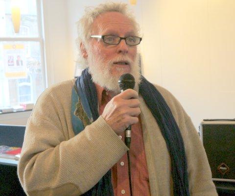 Gustave Nouel houdt toespraak tijdens boekpresentatie 'het geloof van Oranje'