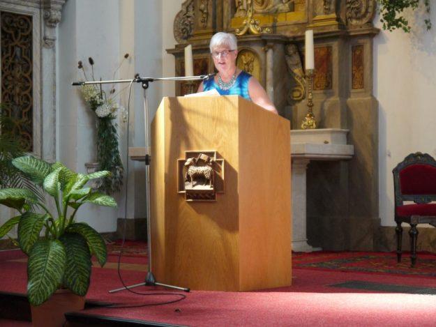 Initiatiefneemster en presentatrice Marianne Visser van Klaarwater wees op God als een bron van liefde, maar ook van het belang om te geloven in de kracht in jezelf