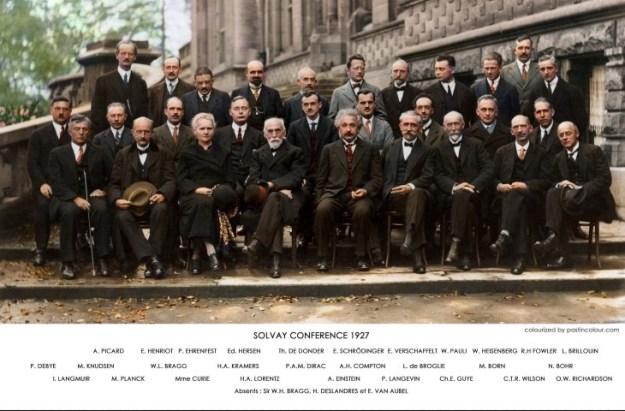 Lorentz nam in 1927 deel aan de Solvay Conference. Catalogus Lorentz. Fifth (5th) Solvay Congress, Brussels, 'Institut International de Physique Solvay, Cinquieme Conseil de Fifth (5th) Solvay Congress, Brussels, 1927, the theme was electrons and protons. Back Row L-R: A. Piccard; E. Henriot (Brussels); P. Ehrenfest; E. Herzen; T. de Donder (Brussels); E. Schrodinger; J. E. Verschaffelt (Ghent); W. Pauli; W. Heisenberg; R.H. Fowler (Cambridge); L. Brillouin. Middle row L-R: P. Debye; M. Knudsen; W. L. Bragg; H.A.Kramers; P.Dirac; A.H. Compton; L. deBroglie; M. Born; N. Bohr. Front Row L-R: I. Langmuir; M. Planck; M. Curie; H.A. Lorentz; A. Einstein; P. Langevin; C. Guye (Geneva); C.T.R. Wilson; O.W. Richardson. ABSENT: Sir W. H. Bragg; H. Deslandres; E. Van Aubel (Ghent); formal group portrait. Credit: Colorized by Sanna Dullaway, photograph by Benjamin Couprie, Institut International de Physique Solvay, courtesy AIP Emilio Segre Visual Archives