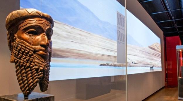 ''Niniveh, hoofdstad van een wereldrijk'' Rijkmuseum van Oudheden. De expositie staat onder patronage van Unesco en het Prins Claus Fonds. Zij zien cultuur als spiegel van de mensheid.