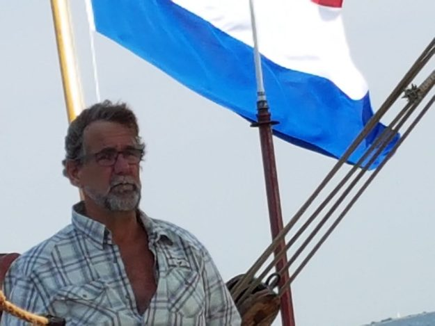 Hellevoetsluis, varen met de klipper Linquenda II, schipper Jan Ruitenga