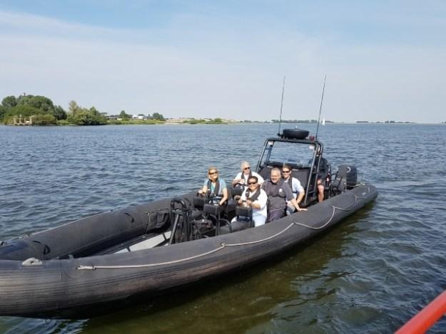 Andere leden van Hollandia Netwerk Evenement ,onder wie Gerard Milord (adviseur waterrecreatie), kozen voor een RIB-boot