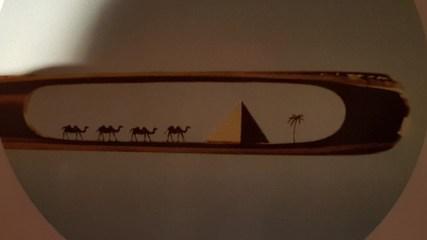 Micro Art: Kamelen in het oog van een naald, Mykola Syadristy