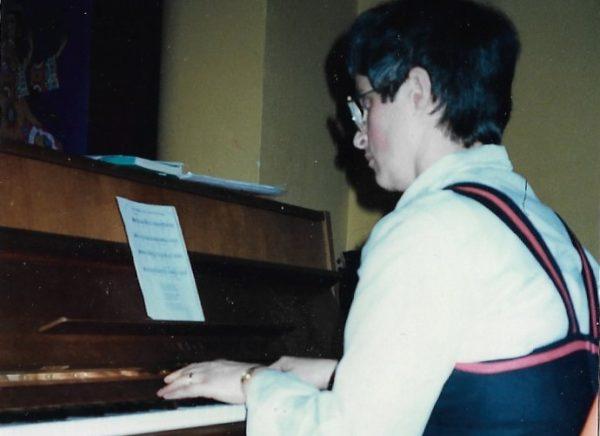 Ander leven, Marianne als pianiste bij het Russisch koor Otchizna, 1983