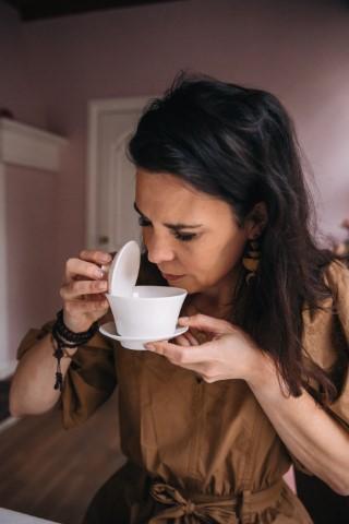 theedeskundige Karlijn Dapper, co-auteur Theeroutes, met thee de wereld rond