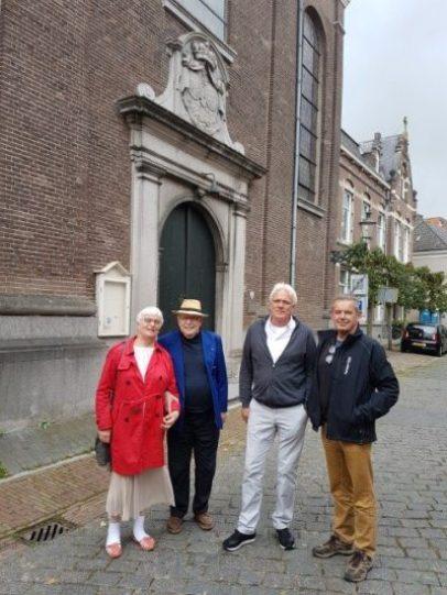 De medevechters van de Schout van Ravenstein, van links naar rechts, Marianne Visser van Klaarwater en Peter Lasschuit. Theo van Duuren en Kees Verhoekx