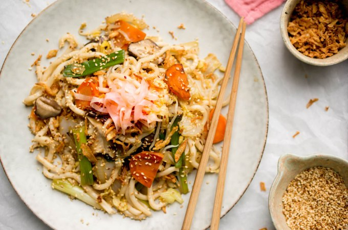 """Yakisoba: healthy noodles """"width ="""" 1200 """"height ="""" 797 """"/> </figure data-recalc-dims="""