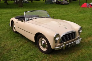 Handsome cream coloured Doretti. There's something of the Nash Healey in the front end design.