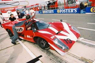 Lola T70 - in the pit lane at Silvrstone