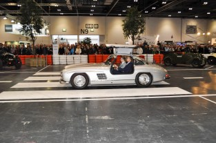 Gullwing on the move