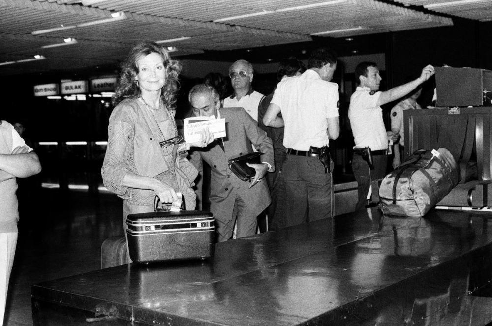 <p>Kenter, 29 Haziran 1984'te İstanbul havalimanında.<br></p>