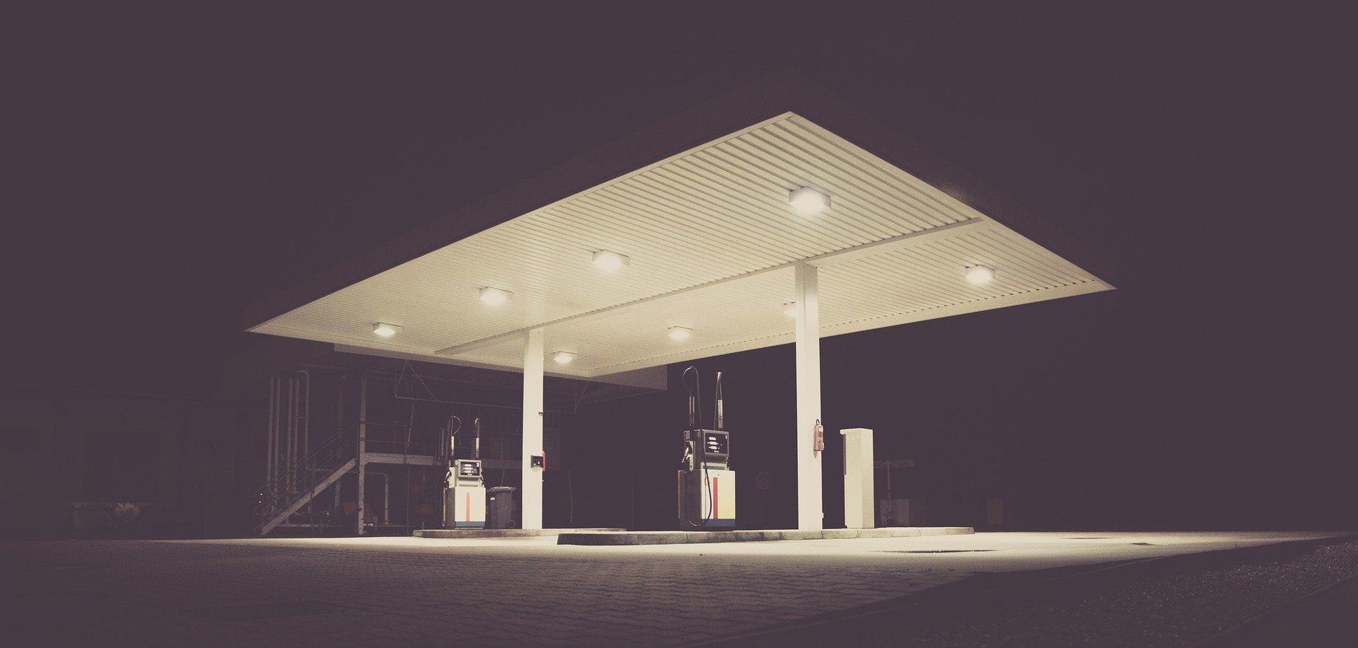 013932067 filling station 18397601920