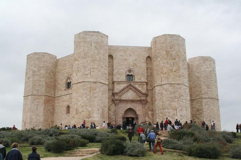 castel-del-monte-12